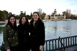 With Nicolle and Brenna in Parque Retiro